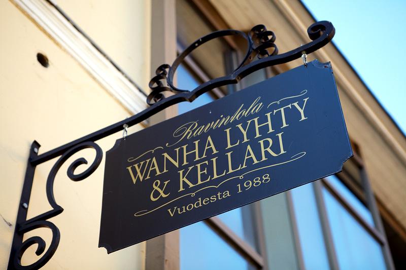 Wanha Lyhty & Kellari.