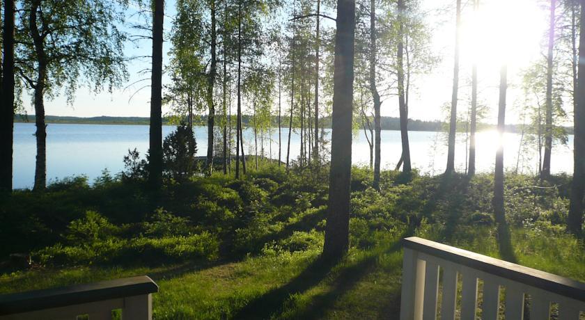 Lomamokkila Cottages